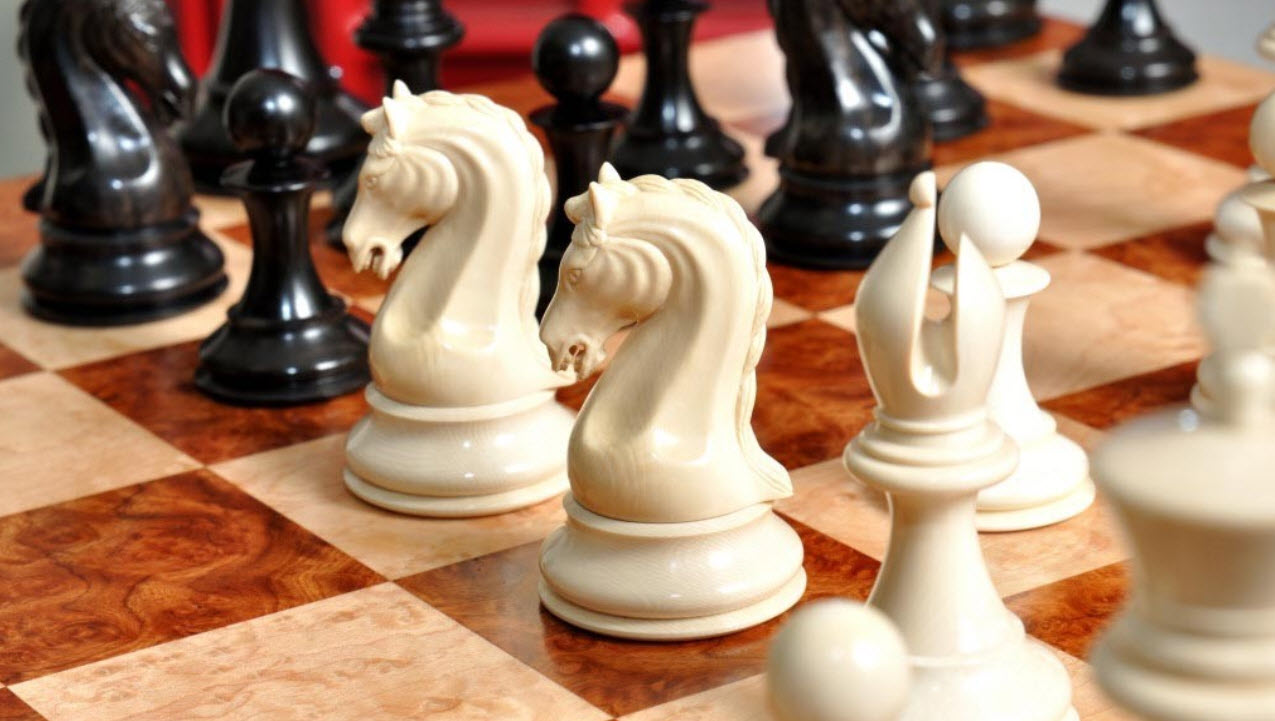 Mammoth Genuine Ebony Luxurious Chess Set 4-4 King
