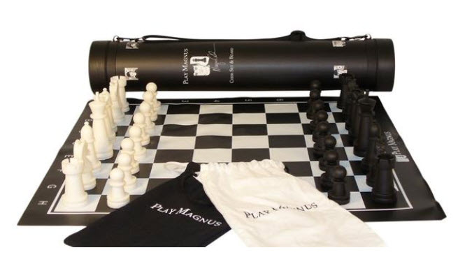Magnus Carlsen Chess Set